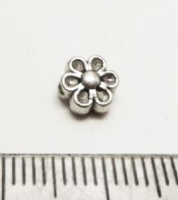 Tibetan Style Silver flower bead / spacer x 20. 7mm.